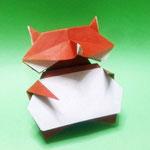たぬき Tanuki。1979/09/12創作。正方形2枚。