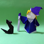 ちび魔女とくろねこ  Little Wich andBlack Cat 2019/3/26,4/19創作。ちび魔女正方形3枚(頭、体、帽子)1:2長方形(杖)、くろねこ1:√2長方形1枚。