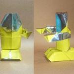 レトロボ2号 Retro robot model2。2017/07/10創作。正方形3枚。