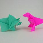 トリケラトプス2018 Triceratops2018。2018/10/26創作。ティラノサウルス2018 Tyrannosaurus2018。2018/10/28創作。共に正方形1枚。
