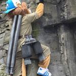 bau einer xxl-jäger-ausrüstung für das maskottchen des bergischen handball clubs