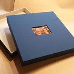 Deckel mit Buchleinen, Innen japan. Maulbeerbaumpapier