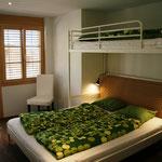 Zimmer 1 mit 3 Betten...