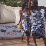 Schülerinnen haben einen Tanz einstudiert