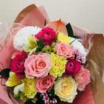 結婚のお祝いの花束。5,000円税別。