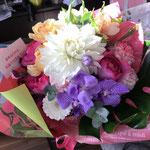 お誕生日の花束。5000円税別。