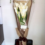 カラーの花束5000円税別、豊川市