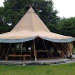 Tippi-Zelt für das BBQ am Abend