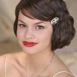 Peinado de novia vintage para rostro cuadrado