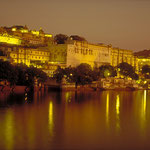 Stadtpalast in Udaipur by Volker Abt