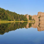 Sylvan Lake in den Black Hills, South Dakota by Volker Abt