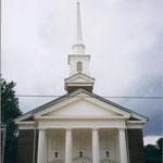 Eine der tatsächlich 38! Kirchen von Mc Donough