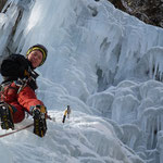 Hannes beim Eisklettern - Vals Schweiz Graubünden