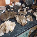 Begutachten der neu gefundene Kristalle - Graubünden Schweiz