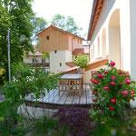 kleine Terrasse am Wohnzimmer