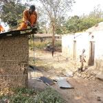 eine baufaellige Lehrerwohnung wird abgerissen um Platz zu schaffen