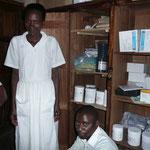 die mit  Spendengeldern gekauften Medikamente werden sorgfältig verwahrt