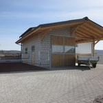 Neubau Doppelgarage mit Pferdestall