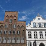 Schöne Fassaden bei schönem Wetter