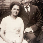 Das Hochzeitsfoto von Karl Friedrich Neinaß und Marie Draake. Es wurde wahrscheinlich im Sommer 1922 aufgenommen.