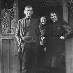 Mathilde Neinaß mit ihrer Nichte Ida Callies, geb. Siewert und ihrem Neffen Carl Siewert.