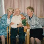 Zum 98. Geburtstag mit 2 Töchtern.