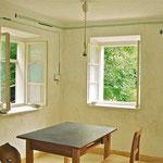 Wand: Kalkputz und Freskomalerei. Tisch: Oberflächenneugestaltung mit Öl und Polyglas pigmentiert. Foto: VN Jaeger, 2014 ❘ © VN Jaeger 2014
