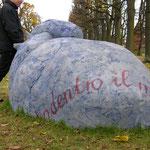 """Ulla Nentwig 2007 """" Das steinerne Herz"""", großer Garten Herrenhausen"""