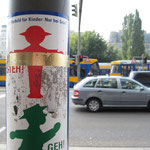 """Ulla Nentwig 2010 """"Leipziger Horizont"""", Vergoldungen an diversen Objekten in persönlicher Augenhöhe zwischen HBF und Mariannenpark."""