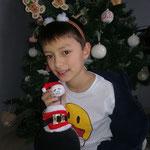 Axel et sa raquette Père Noël