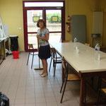 Marie-Paule a gentiment accepté de venir aider à la préparation du repas de midi.
