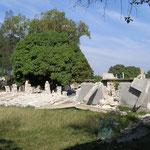 Une maison écroulée dans la fondation
