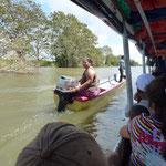 Il arrive que le bateau ne s arrete pas et que les passagers viennent au bateau sur le rio
