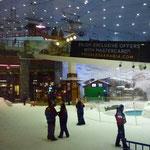 Pistes de ski - dans un centre commercial (grandiose)