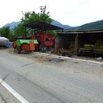 Quelques tracteurs et machines agricoles .....quand meme