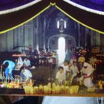 Dans l'église de Chamula (carte postale)