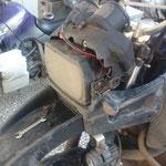 IR - Versuch die Tachowelle zu reparieren, also kaputt ist sie, aber leider auch der Tachoantrieb an der Achse