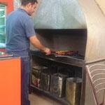 IR  -Teheran beim Mittagessen, fein so frisch gegrillte Spieße