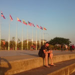 LAO - abends am Mekong