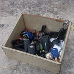 Schlüsselverwahrsafe auf dem Autoparkplatz (nächstes Bild)