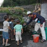 die neue Trinkwasserleitung im Einsatz