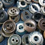 vintagestock metal buttons 2