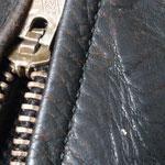 ラングリッツキャスケード袖口 AFTER 2 元々の針穴に綺麗に縫い糸が通り縫い上げられているのがわかっていただけるかと思います。