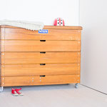 Möbel aus Turngeräten - große Turnkommode