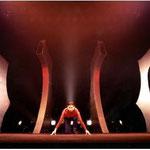 橘宣行の鉄彫刻:惑星ピスタチオ『破壊ランナー』のための舞台美術(1994年)