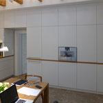 Küche weiß (München), Architekt: Andreas Thiele, Foto: Gränz Innenausbau