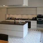 Küche mit Schiefer, spaltrau (Frankenwald), Architekt: Andreas Thiele, Foto: Gränz Innenausbau