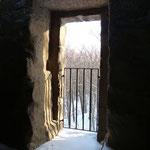 Der ehemalige Eingang in 7 m Höhe.