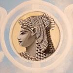 Königin Kleopatra VII. (Ptolemäerzeit) - Daniela Rutica: Kleopatra, Wandmalerei in Potsdam, 2018 - mit Himmelsmalerei von Angela Kaiser