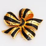 Лот №П497.Дизайнерская брошь от Джоан Риверс(подробнее о дизайнере в разделе *Известные марки*).Новая,маркирована,объёмная форма,размер-4.5 см.ПРОДАНА